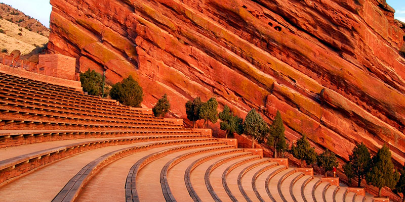 red-rocks-amphitheater-lost-in-a-martian-landscape   Travel